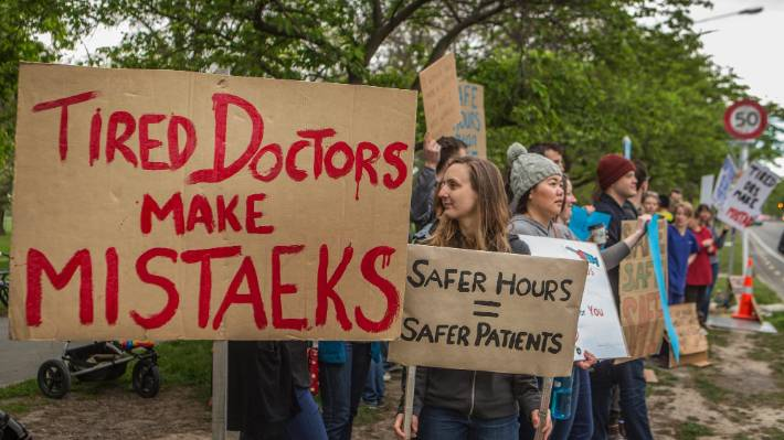 A picket line outside Christchurch Hospital during the last junior doctors' strike in 2016. (File photo)