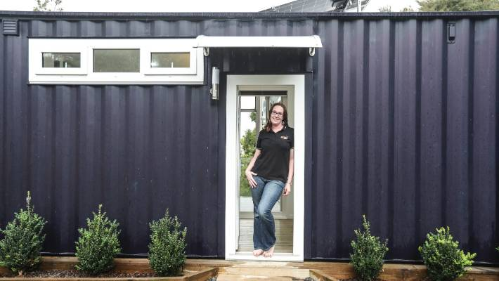 Brenda Kelly From Iq Container Homes Designed And Built The First 8 Homestar Home