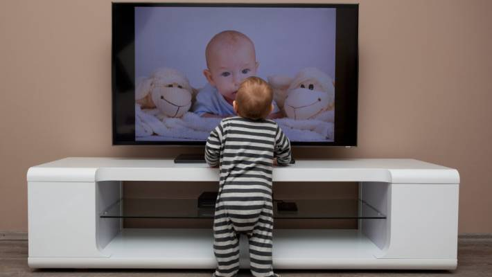 More Kids More Problems >> Too Much Screen Time Is Giving Kids Health Problems Like Obesity And