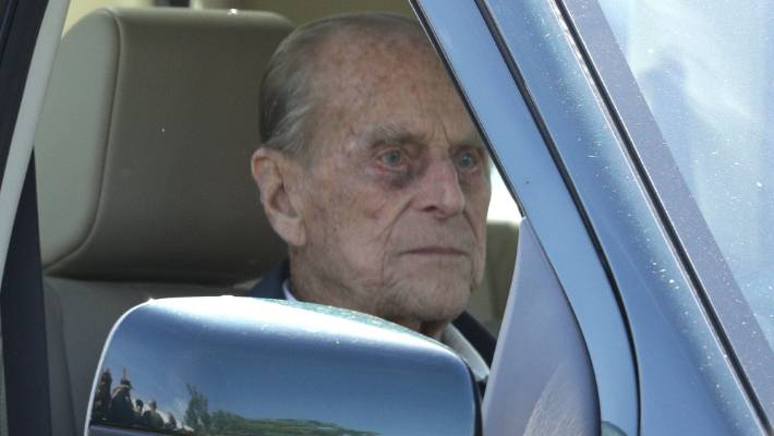Prince Philip apologises to woman injured in auto crash