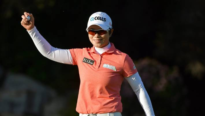Korean Ji Eun-hee wins LPGA season opener