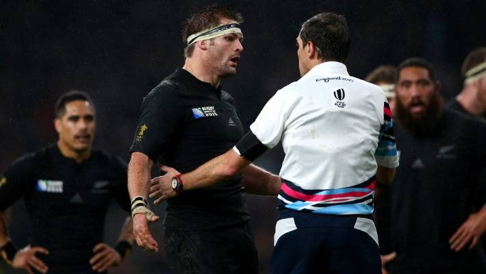 Eddie Jones: Jonny Sexton 'has the bat phone to the referee'
