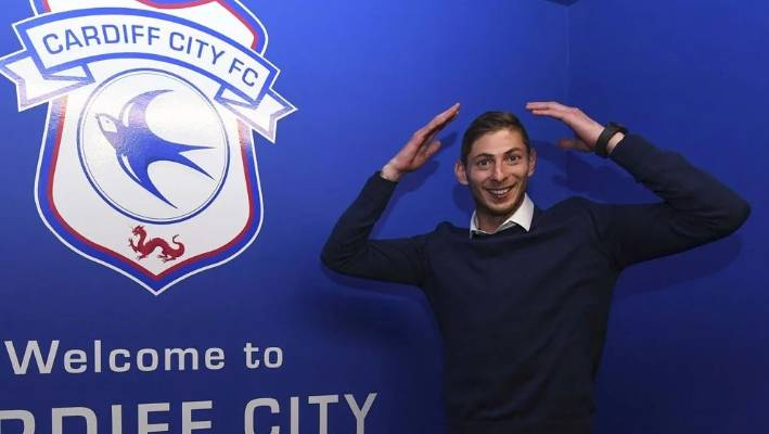 A powerful and direct player, Emiliano Sala equalled his career-best total of 12 goals - achieved in the past two seasons with Nantes - in 19 league games this season.