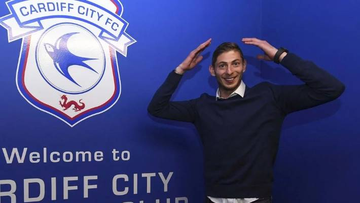 Sheffield Wednesday's Fernando Forestieri records heartbreaking message in Emiliano Sala search