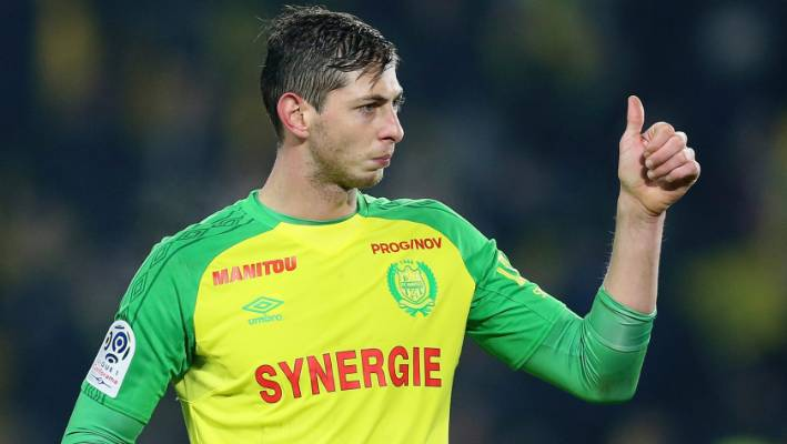 Body pulled from plane wreckage formally identified as Emiliano Sala