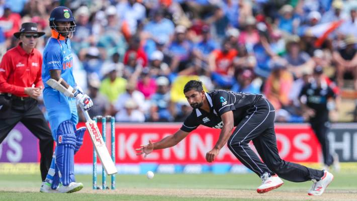 Disciplined India restrict New Zealand to 243