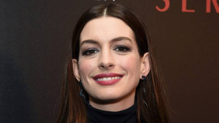 Actor Anne Hathaway gives up alcohol for the next 18 years | Stuff co nz