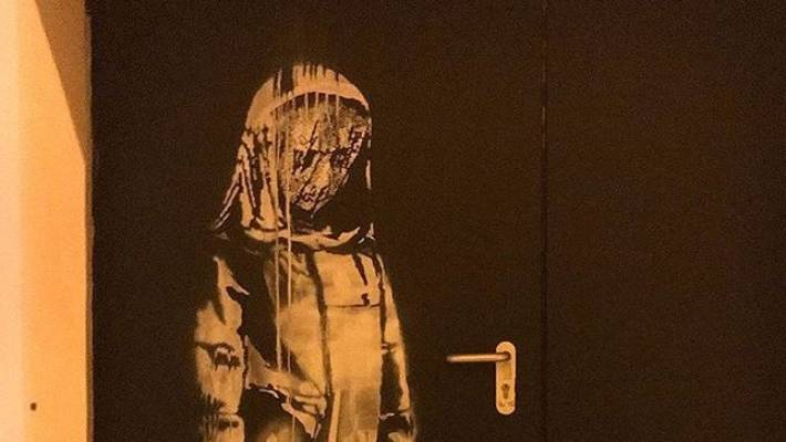 Banksy's homage to Bataclan victims has been stolen from Paris theatre