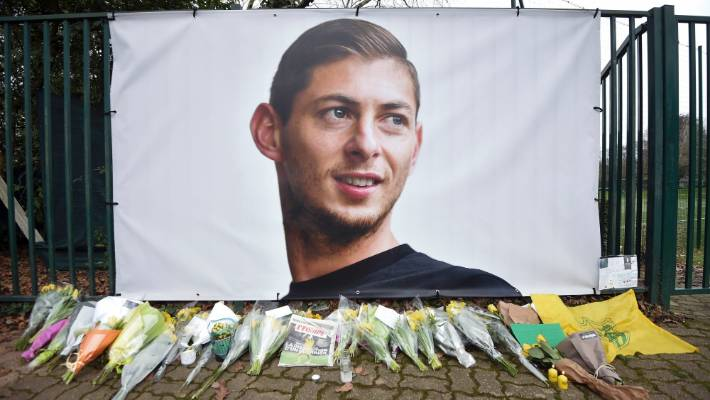 Body from plane wreckage identified as footballer Sala, UK police say