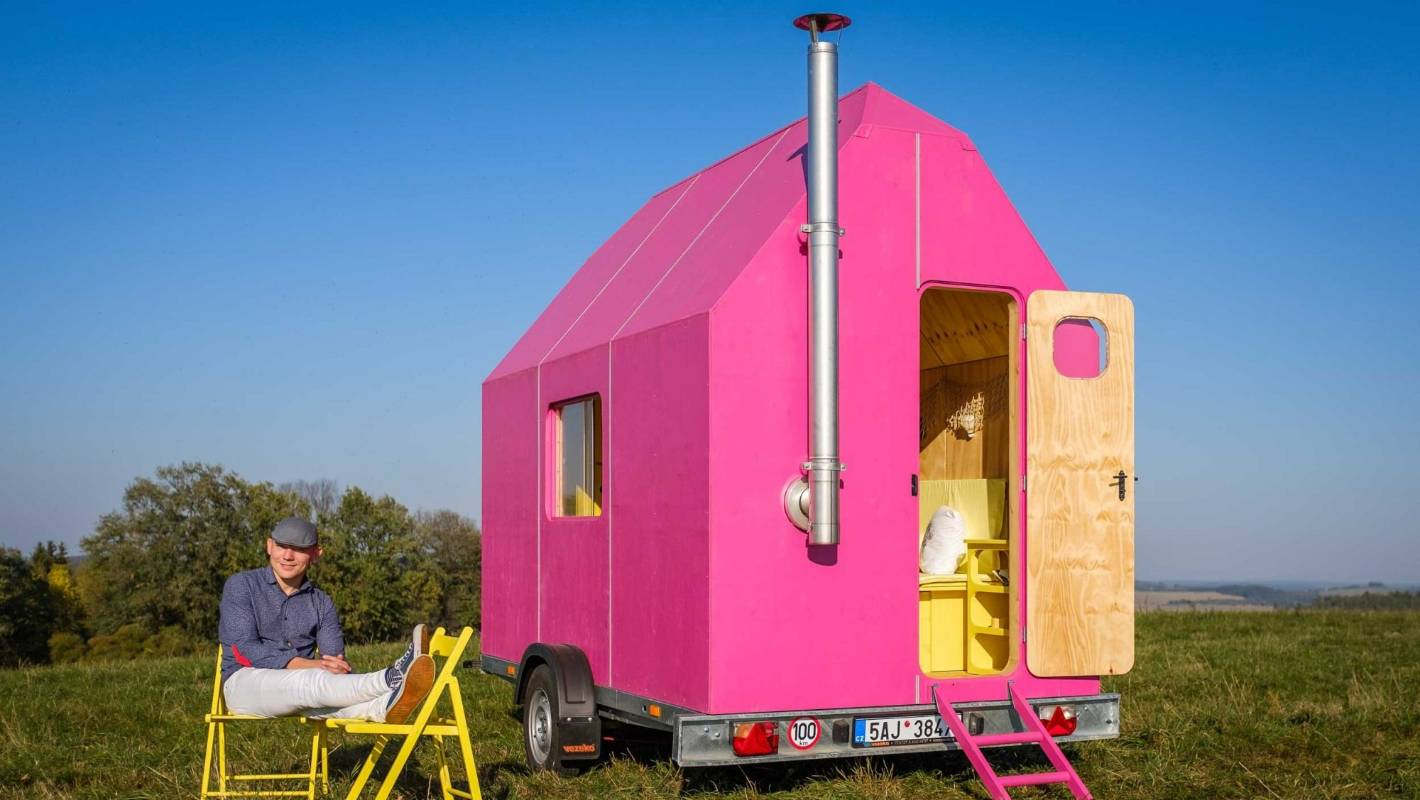 Could You Live In This? The DIY Magenta Tiny House Is Just