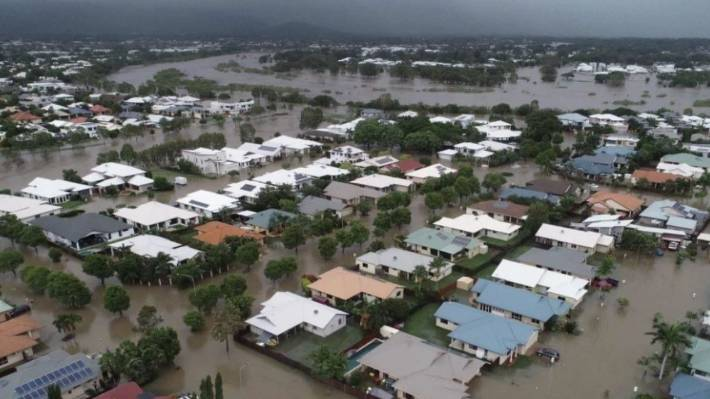 queensland flood victim angry about water release scared. Black Bedroom Furniture Sets. Home Design Ideas