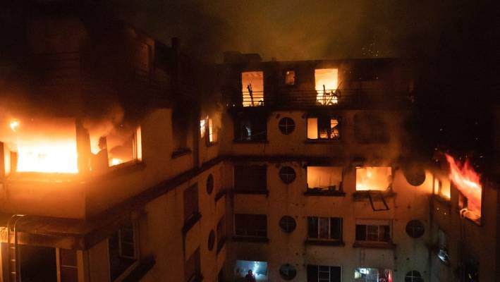 Seven dead in Paris apartment fire