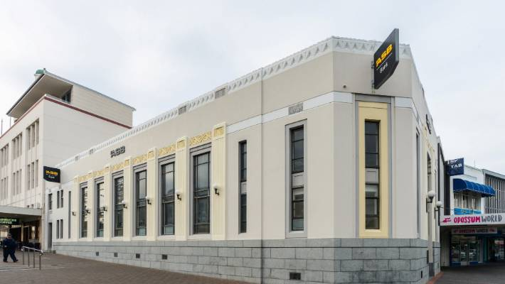 Well-known Marlborough businessman Graeme McLean has bought the ASB Bank heritage building in Napier for close to $3 million.