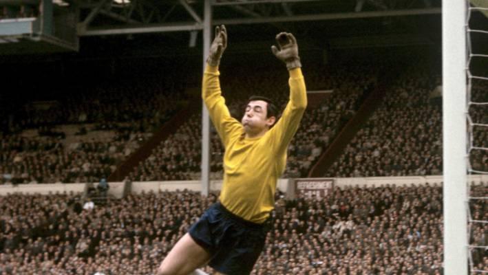 Winning England goalkeeper Gordon Banks has died at 81