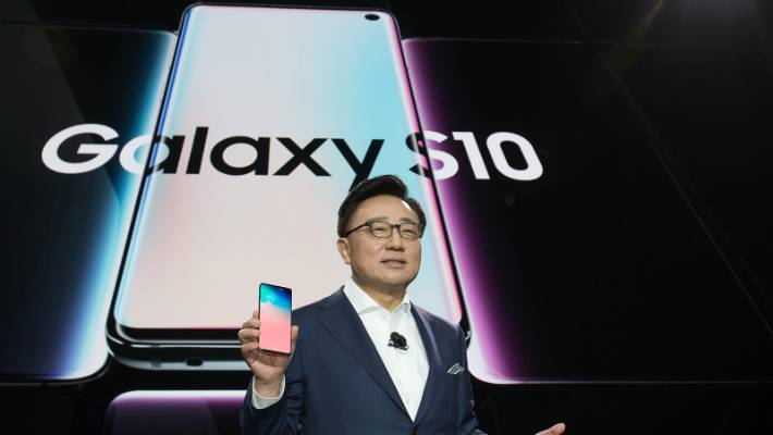 China's Xiaomi unveils 5G smartphone for $680