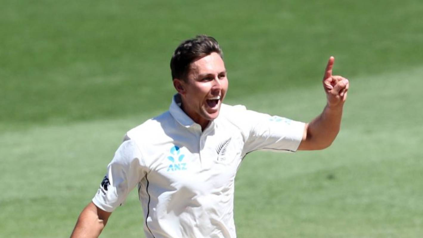 Trent Boult ends Bangladesh fight as Black Caps battle to huge Hamilton test victory