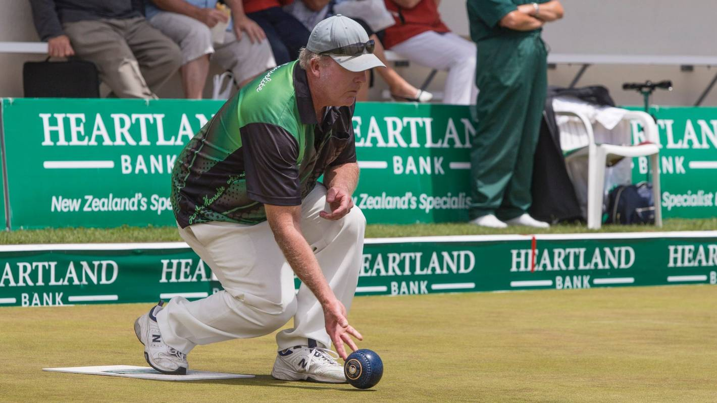 Dean Elgar skips West End four to comeback win at national bowls champs