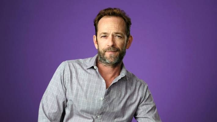 Luke Perry Dead at 52 - 'Riverdale' Producers Warner Bros, CW Reaction