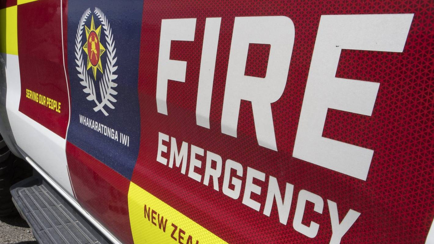 Suspicious car fire next to house in Oamaru