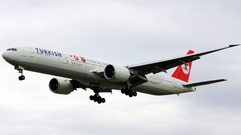 Passenger breaks leg, turbulence hurts 30 on Turkish Airlines flight to New  York | Stuff.co.nz