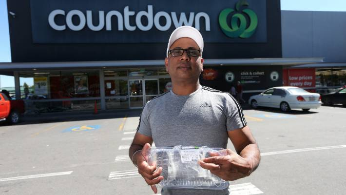 Jaswinder Paul says his family haven't spoken to him since he ate the mislabelled meat.