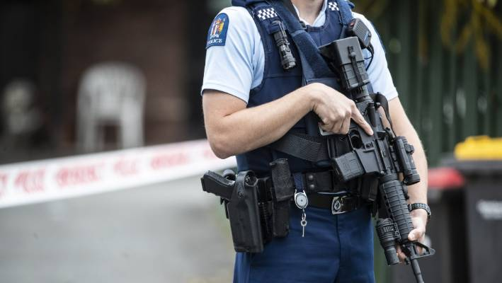 Early morning Queenstown police raid yields drugs and