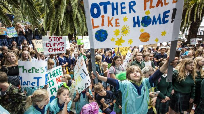 Why these Australian students will strike for climate change action - RN