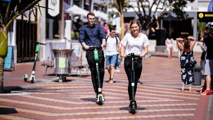 Lime vs Wave: Which is the best rent-to-ride e-scooter on Auckland streets?
