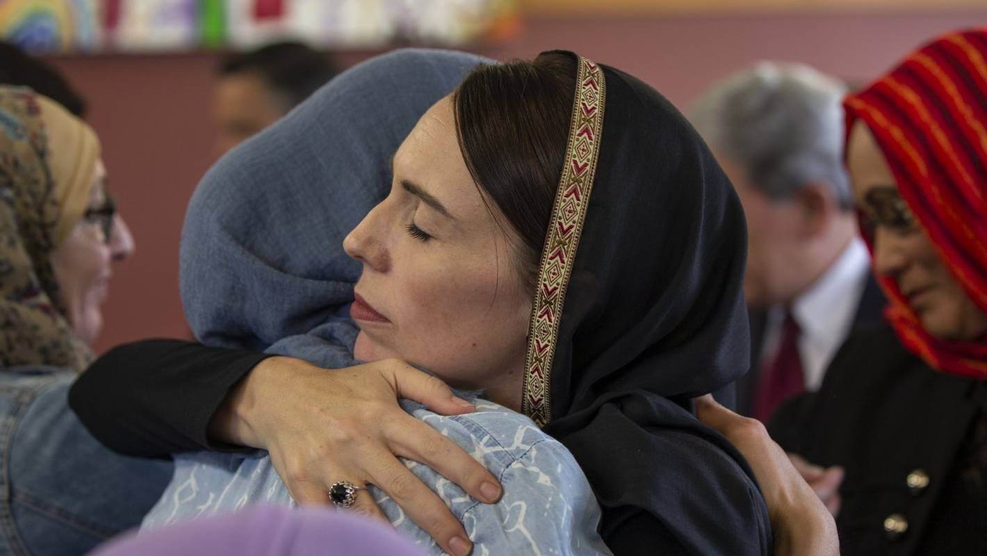 نتيجة بحث الصور عن ‪New Zealand PM Jacinda Ardern met muslim‬‏