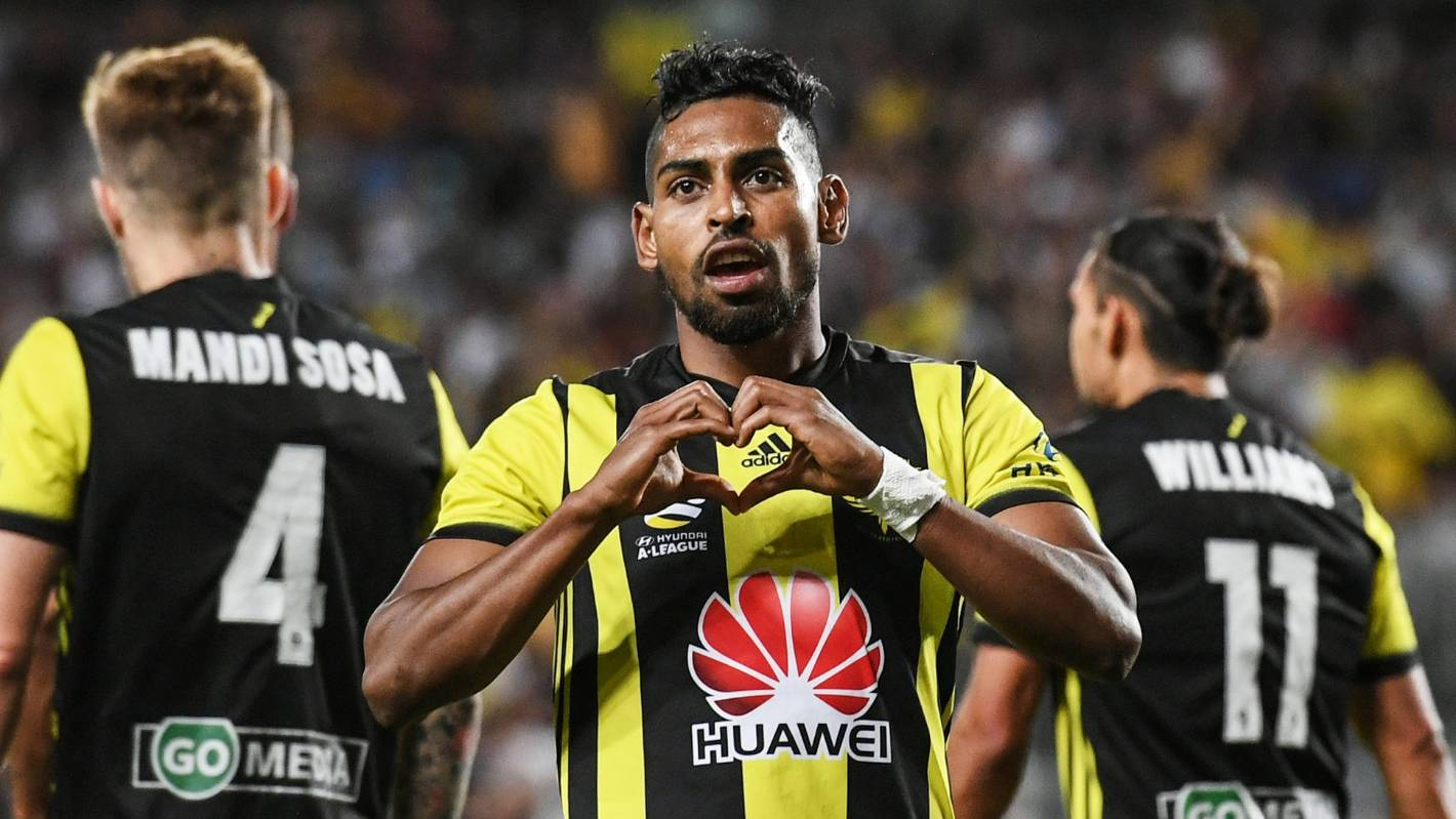 Waiting game for Wellington Phoenix as band of star players remain on the market