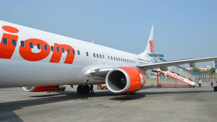 Doomed Lion Air 737 almost crashed one day before tragedy