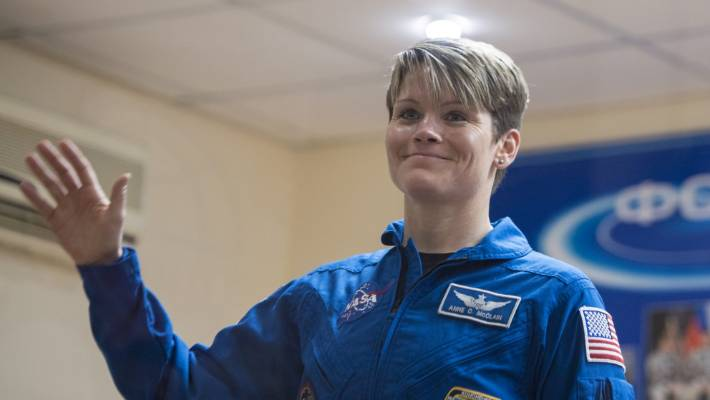 Ann McClain understood that his colleague astronaut Christine Koch and needed Extravehicular Mobility medium size block that is used for EVAs, but there was only one.