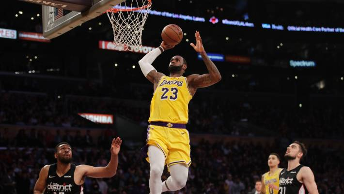 Lakers pull plug on LeBron James' tumultuous first season