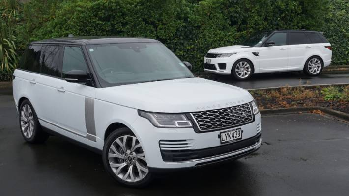 Full Size Range Rover Left And Sport Right Are Diffe Models