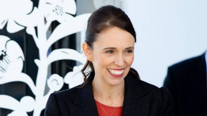 Prime Minister Jacinda Ardern buys groceries for family after mother forgets wallet