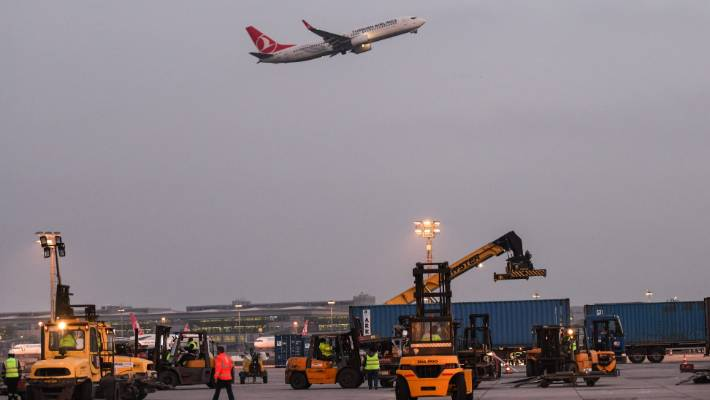 Istanbul Airport serves flights after mega move