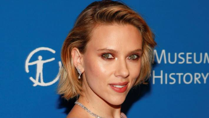 Scarlett Johansson calls for new paparazzi laws