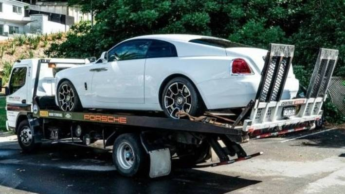 A Rolls Royce Wraith seized by the police