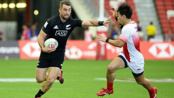 Fiji fall apart in Singapore 7s final