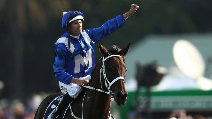 Winx bows out in style with 33rd victory