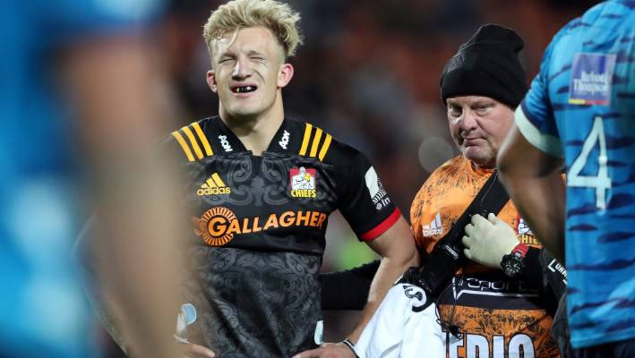 Damian McKenzie ruled out of Rugby World Cup with knee injury