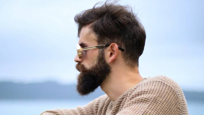 Swiss scientists say men's beards carry more germs than dog fur
