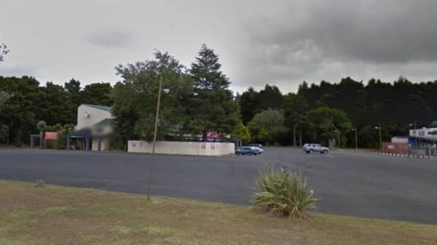 Shotgun fired during alleged aggravated robbery at Northland pub