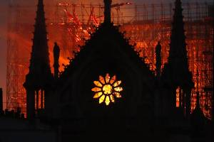 """A """"computer glitch"""" may have played a role in the rapidly spreading blaze that devastated 850-year-old architectural ..."""