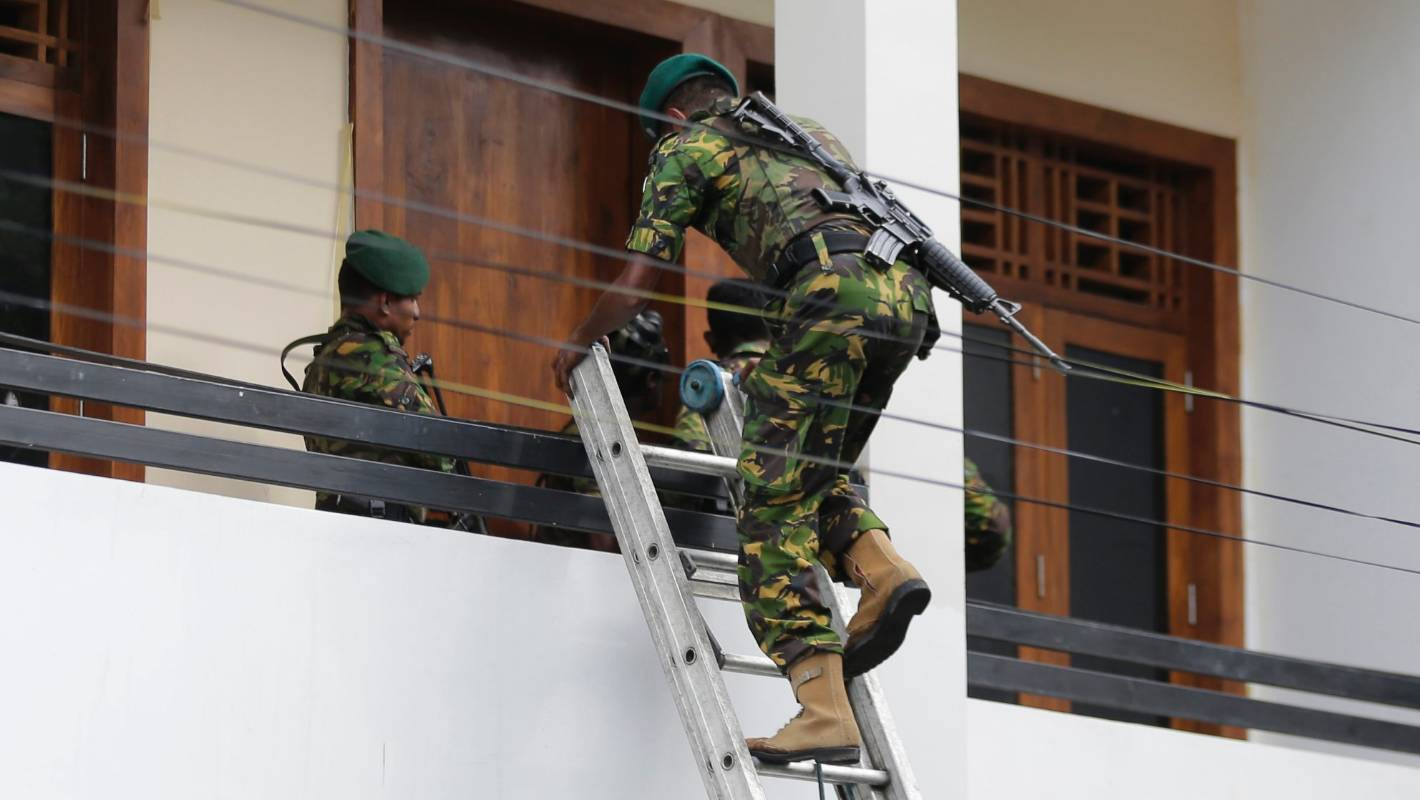 Sri Lanka attacks: Government blocks social media and imposes curfew