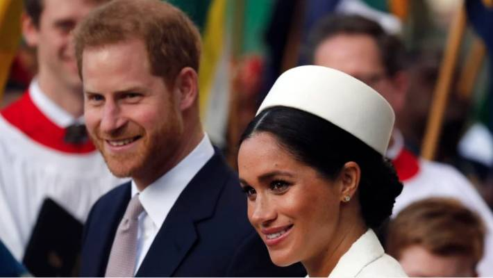 Why Queen Elizabeth Is Reportedly 'Furious' At Meghan Markle's Baby Reveal Plans