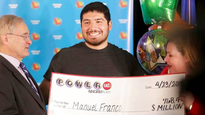New Berlin Powerball victor claims prize