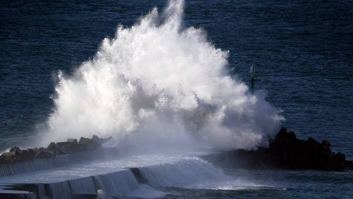 Warning of rapidly rising swells and dangerous surf