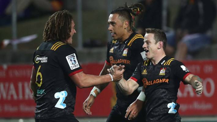 Chiefs pip Sharks in Super Rugby tussle