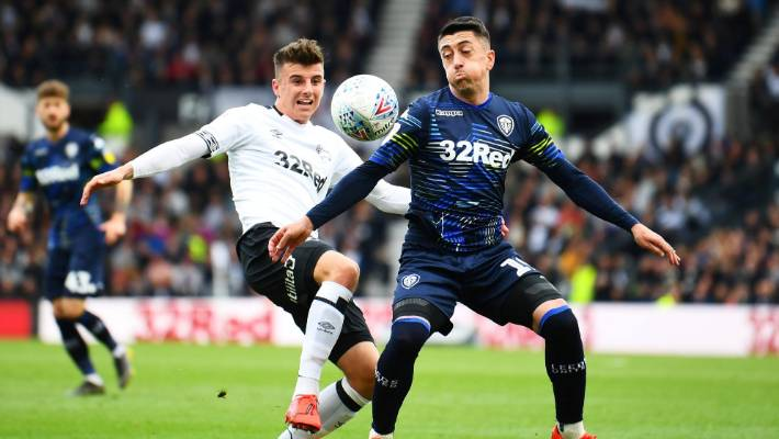 Leeds Aston Villa Earn Narrow Leads In English